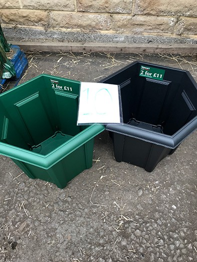 40cm Hexagonal planter 2 for £11